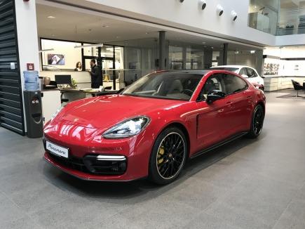 Porsche Panamera Panamera GTS sedan / limuzyna