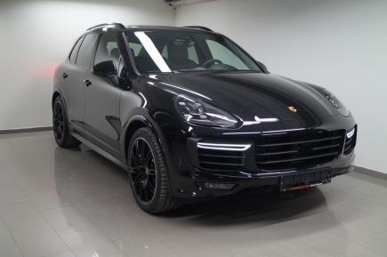 Porsche Cayenne Turbo SUV