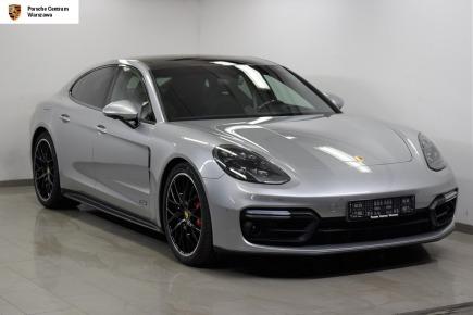 Porsche Panamera GTS sedan / limuzyna