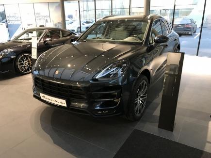 Porsche Macan Turbo SUV
