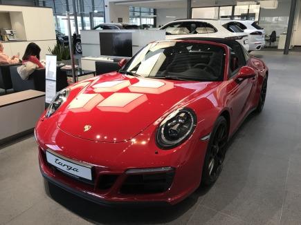 Porsche 911 Targa 4 GTS kabriolet