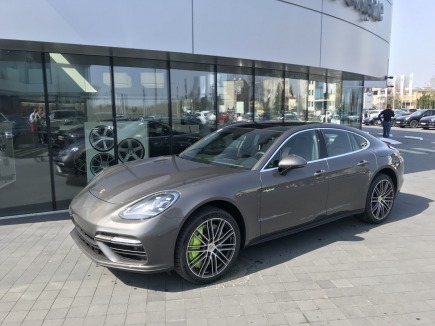 Porsche Panamera  sedan / limuzyna